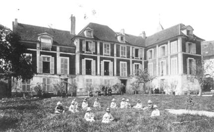 chateau_rouge_1881.jpg